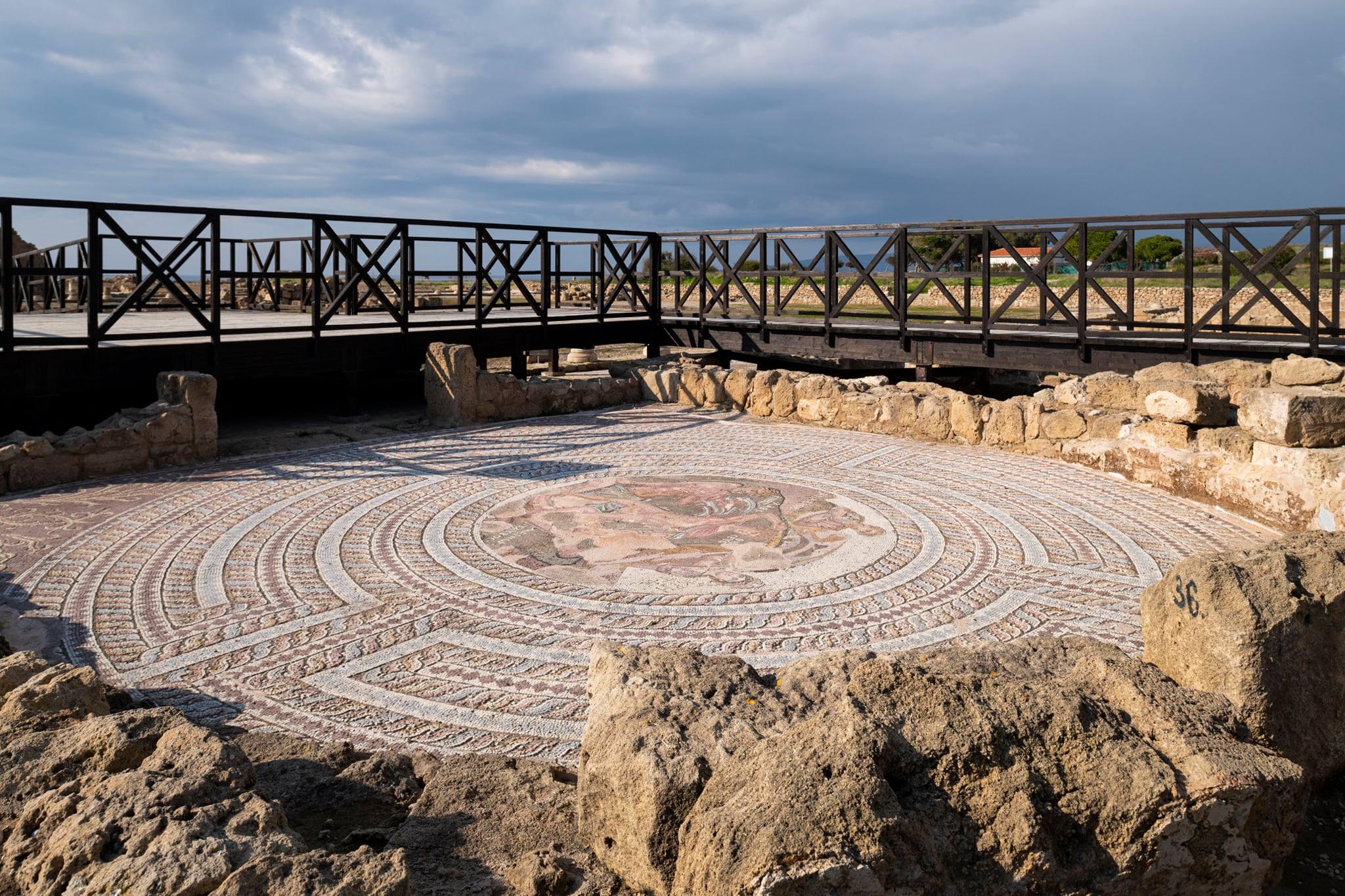 Προσπάθειες για δημιουργία στέγαστρων σε ψηφιδωτά και άλλα αρχαία κατάλοιπα στη Νέα Πάφο